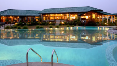 Resort and hotel with Swimming pools in Corbett
